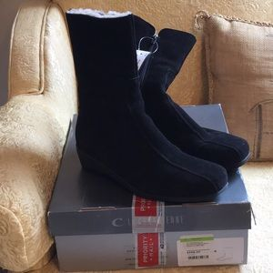 LaCanadienne black boots